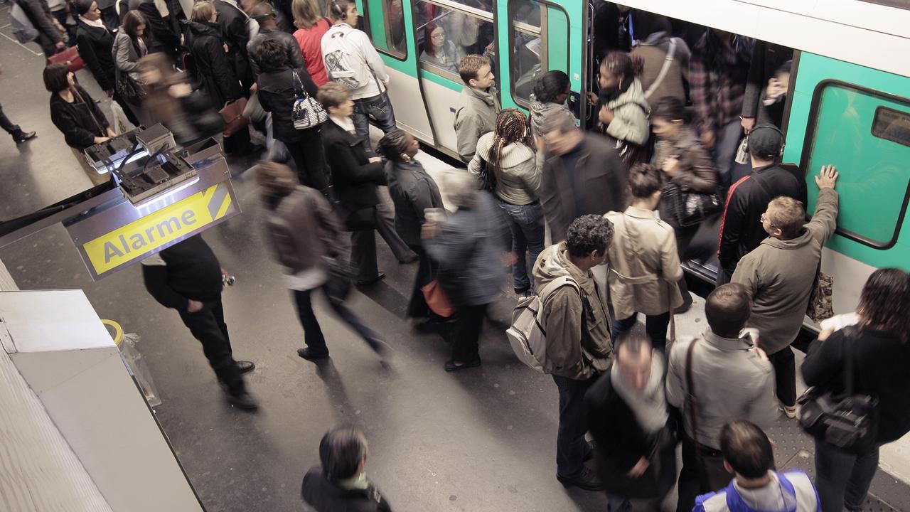 """EN DIRECT – Grève à la RATP : Elisabeth Borne appelle les Franciliens à limiter leurs déplacements """"au maximum"""" – LCI – LCI"""