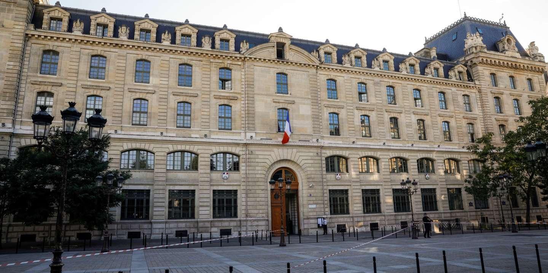 A la suite de l'attaque à la Préfecture de police de Paris, sept policiers radicalisés ont été désarmés – Blog Le Monde