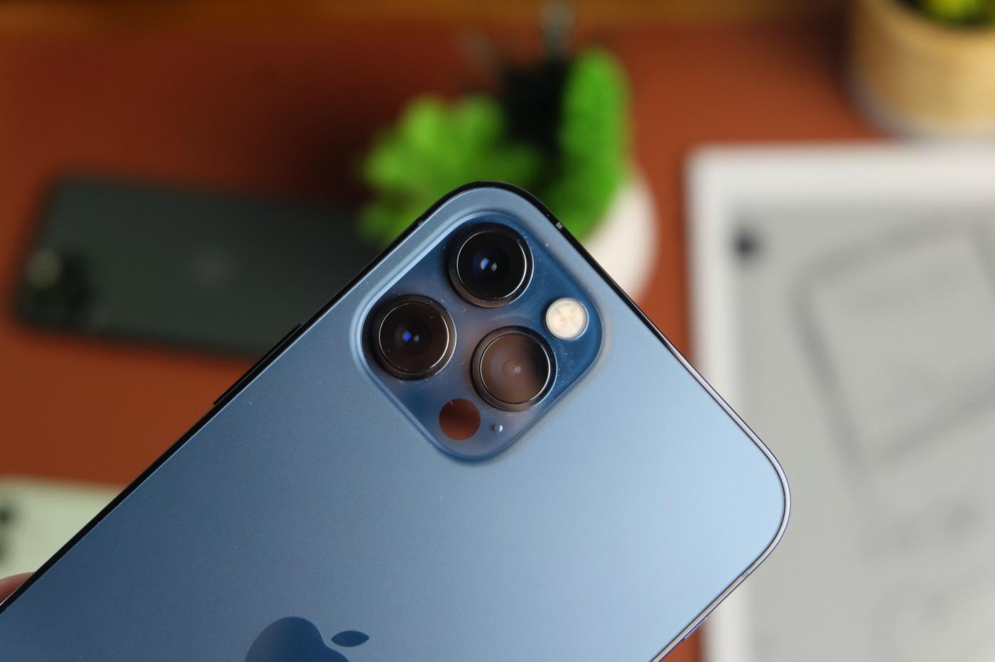 Test iPhone 12 Pro (2021) : Apple se conjugue au presque ...
